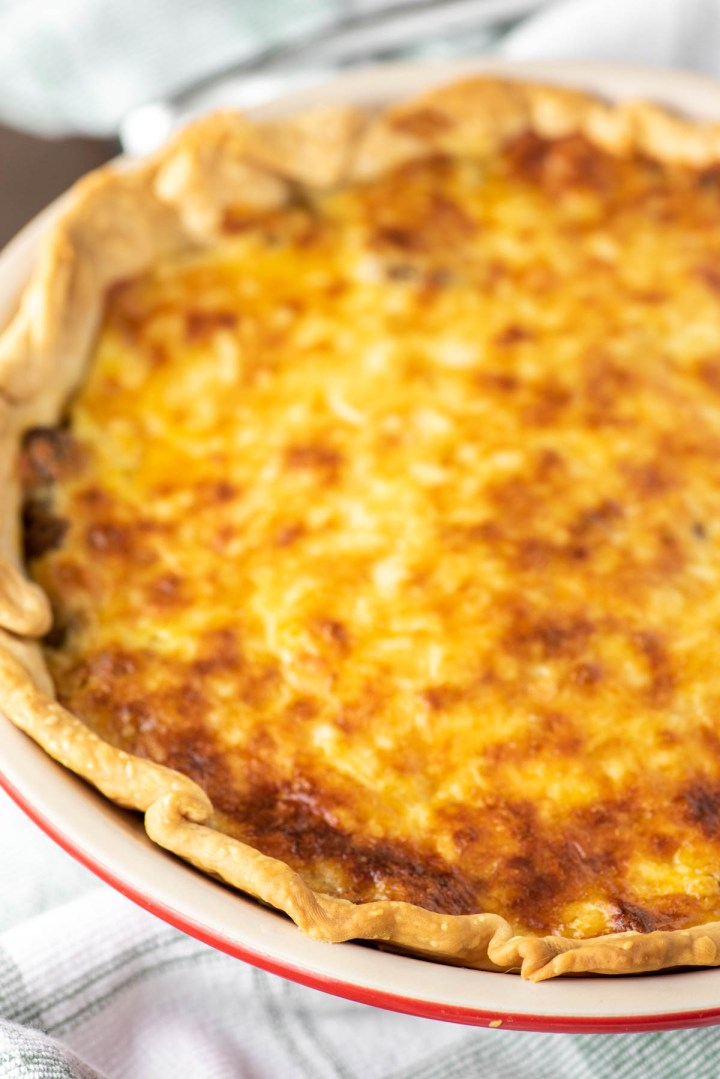 cheeseburger pie in pie dish