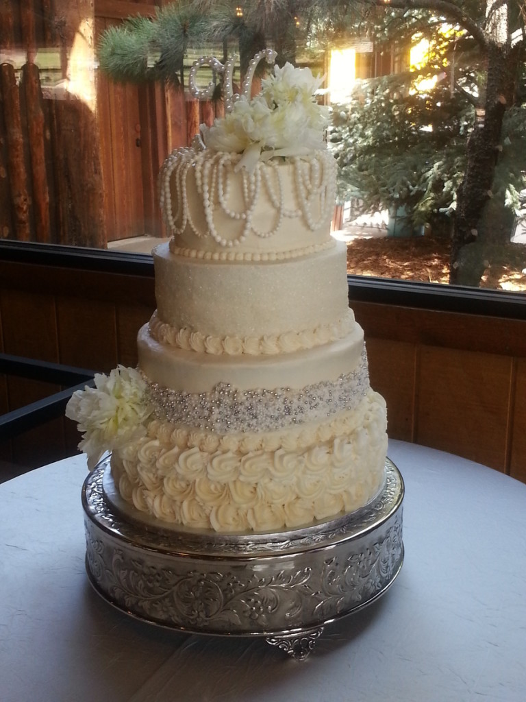Top 30 Cakes With Elegant Pearls Page 11 Of 40
