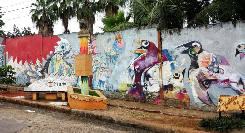 Idealism and Cuba Ghetto Art