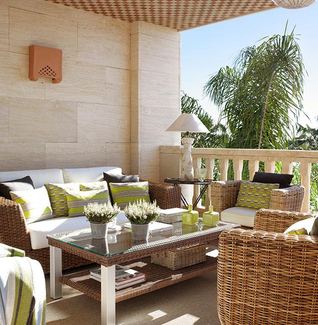 Terrazas con muebles de mimbre for Terrazas muebles decoracion