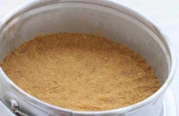 No Bake Mango Dulce de Leche Cheesecake Step 2
