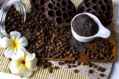 Exfoliante-de-cafe-y-miel-para-combatir-la-celulitis-3