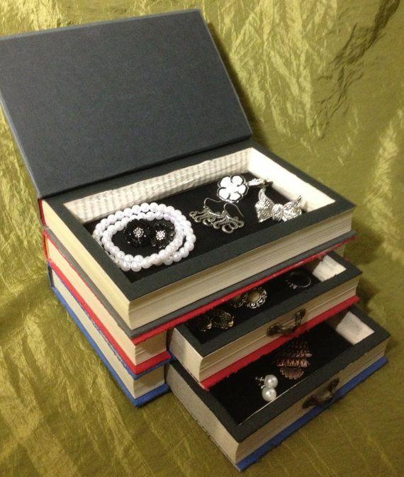 Porta-gioie-realizzato-con-il-riciclo-dei-libri