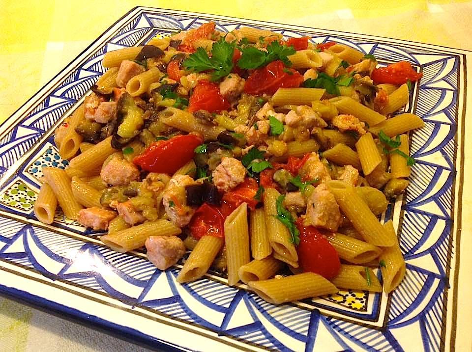 pasta-con-tonno-melanzane-e-pomodorini