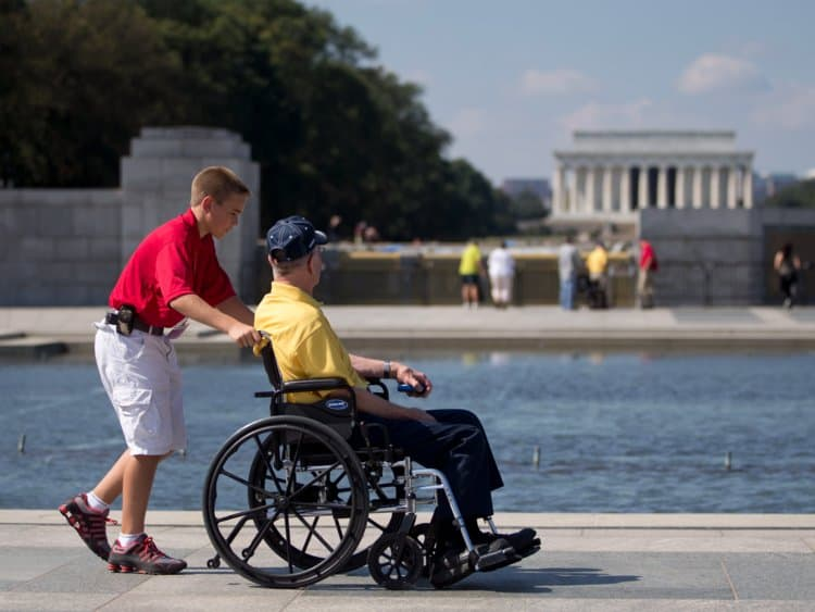 Wheelchair-accessible activities to do in Chicago