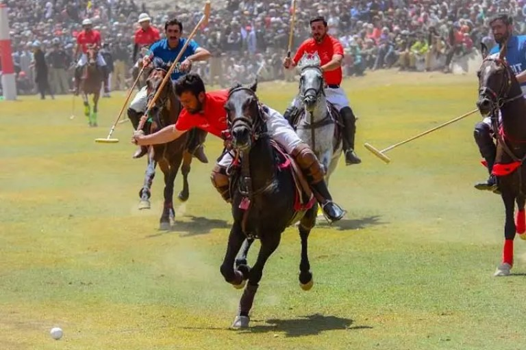 Ghizer wins inaugural polo match against Laspur at Shandur