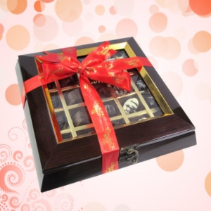 25 Pc. Ultimate Nutty Gift Box