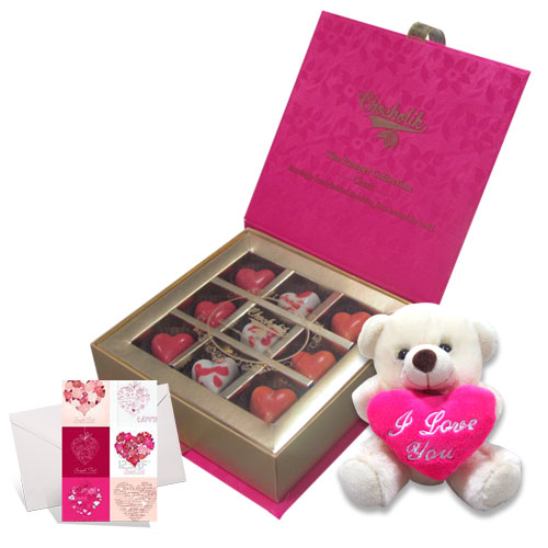choco-valentine-with-love-card-and-teddy