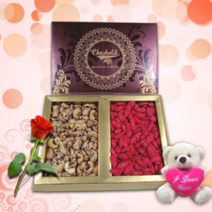 Flavorful Nuts with an Adorable Teddy