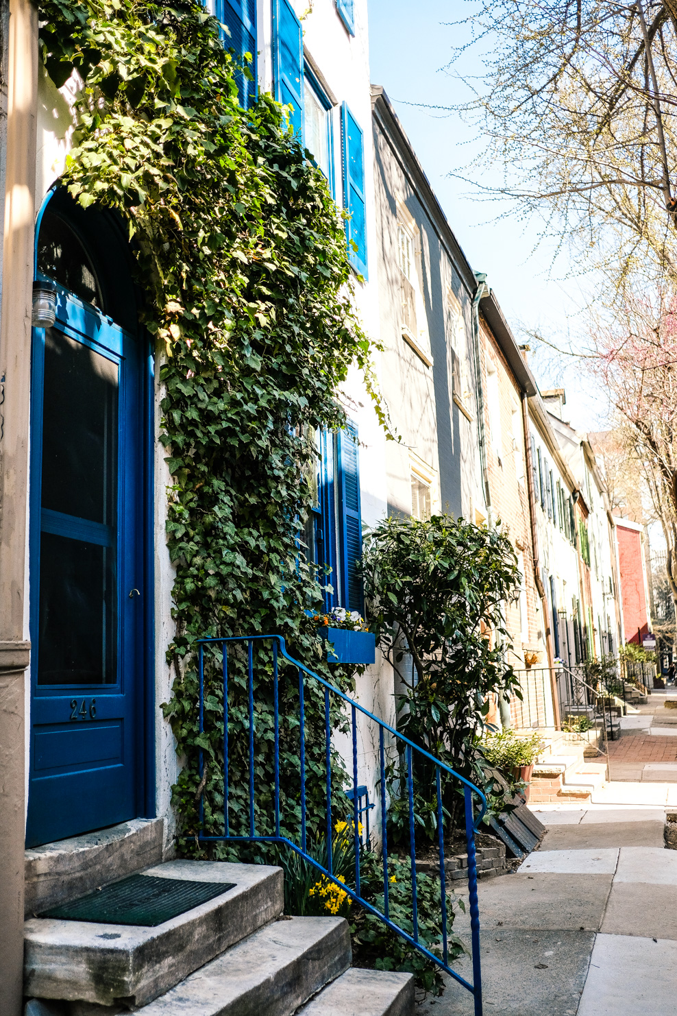 Lifestyle Blogger Chocolate and Lace shares her photo diary of Philadelphia in the Spring.