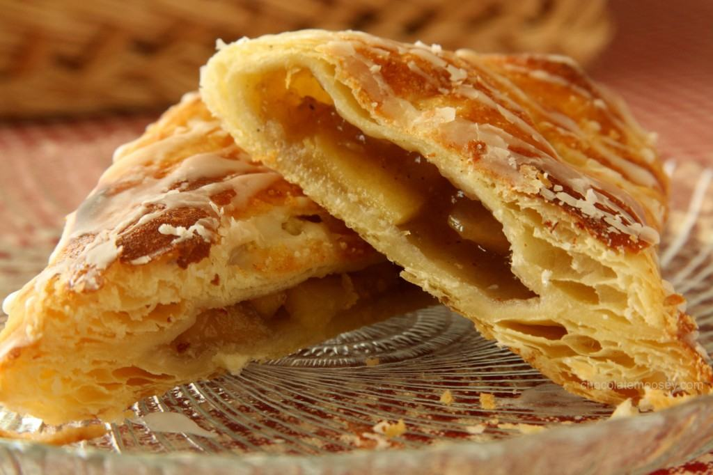 https://i1.wp.com/www.chocolatemoosey.com/wp-content/uploads/2012/09/Apple-Turnovers-9669-1024x682.jpg