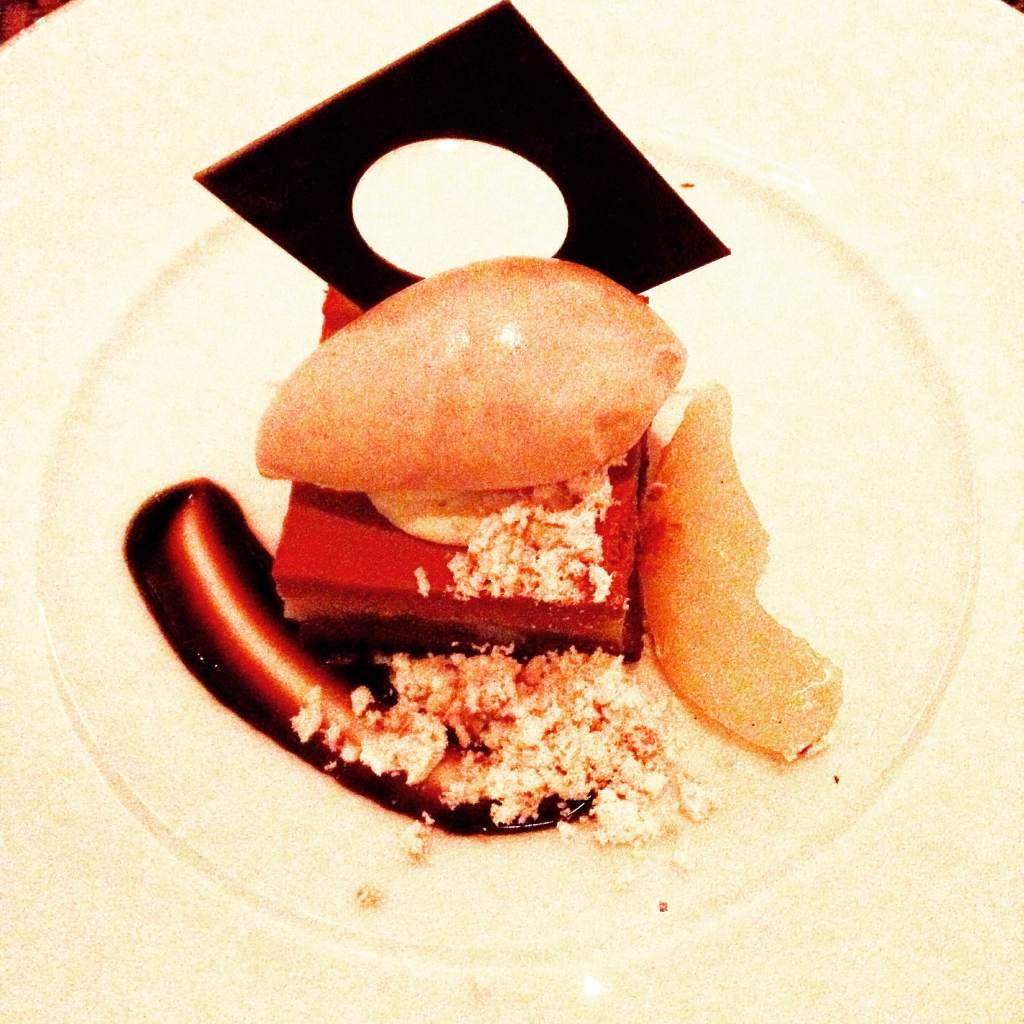 Cafe Boulud, Winterlicious, Toronto, Canada, Restaurant Review, Restaurant, Review, Boulud, Bad review, chef boulud, boulud toronto, pear, chocolate, gateau, dessert, chocolate cake