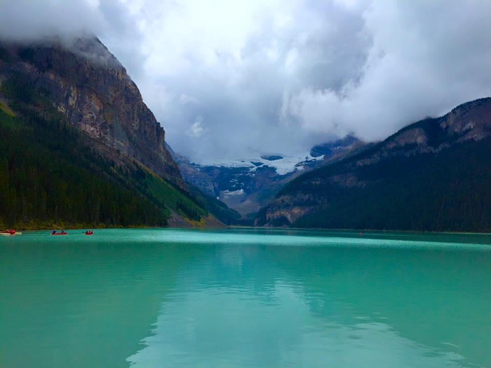 Lake Louise, Banff, scenic, landscape, pretty, beautiful lake, emerald lake, emerald waters