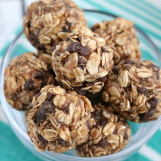 almond butter chocolate chip energy bites