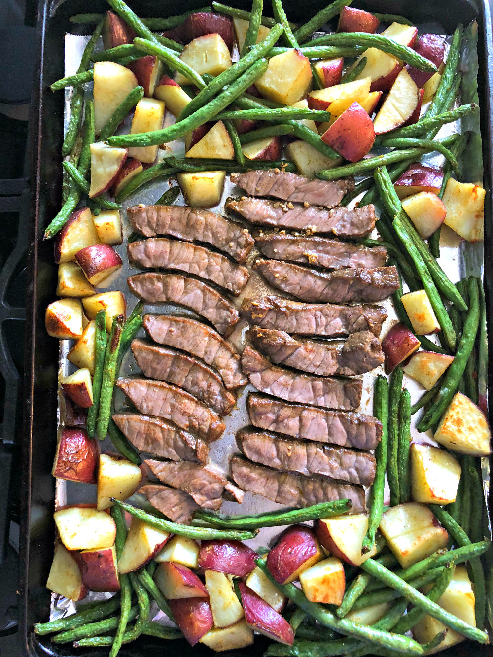 Sheet Pan Steak With Green Beans And Red Skin Potatoes