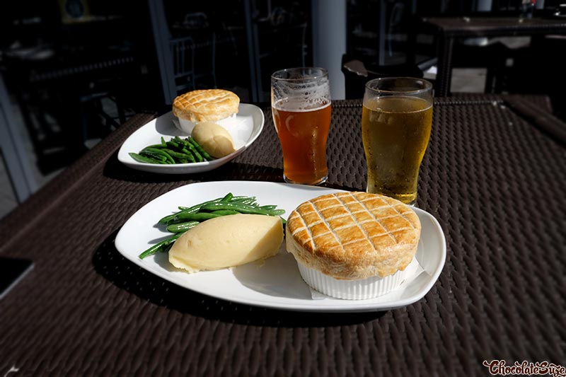 Pie and a pint, Crown Plaza, Hunter Valley