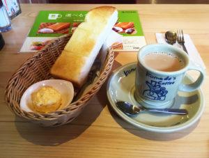 コメダ珈琲店「モーニングサービス」のトースト