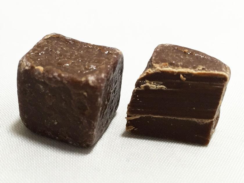 『グリコ』の「リベラ」ミルクチョコ断面図