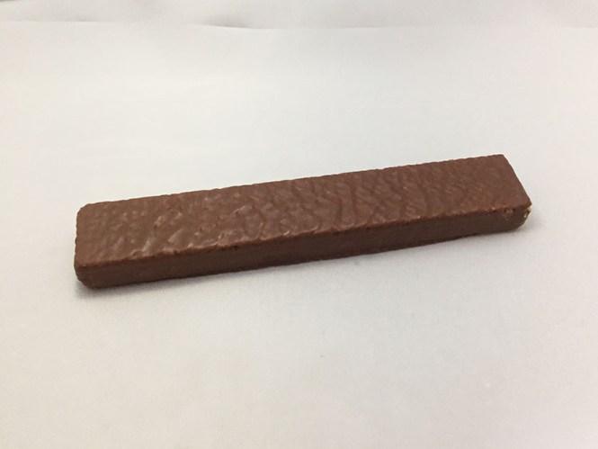 『カーギ』の「チョコウエハースココナッツ」細長いチョコ
