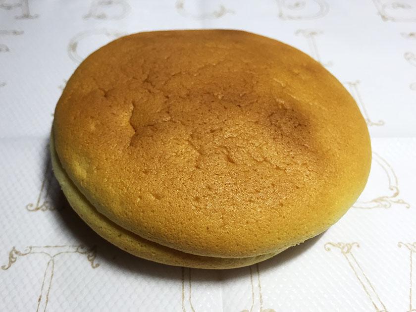 『もりもと』の「ゆきむしスフレ北海道メロン」大きくみえるけど軽いお菓子