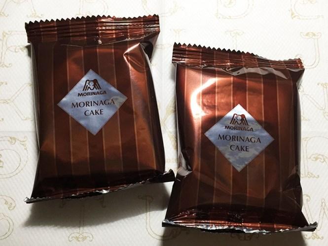 『ナチュラルローソン』の「しっとり濃厚チョコレートケーキ」森永風