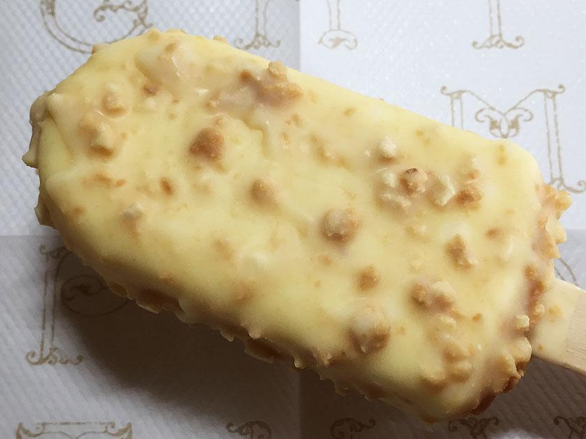 『ハーゲンダッツ』の「クランチークランチ ココナッツ」クッキーいっぱい