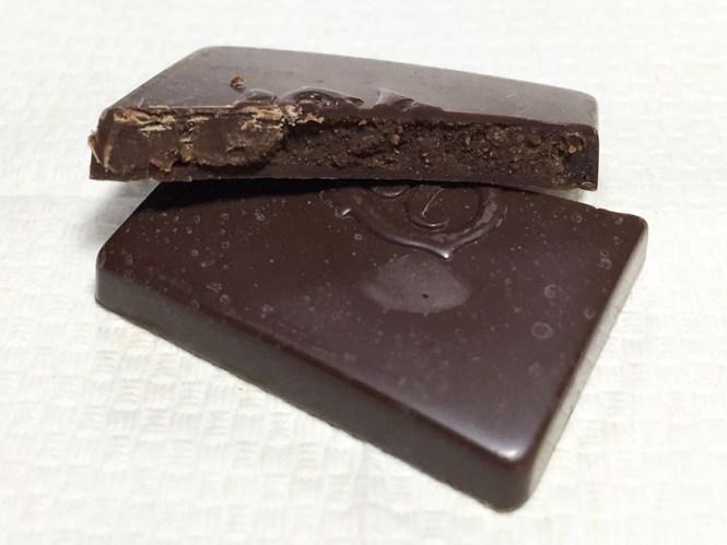 『ロッテ』の「シャルロッテ生チョコレート」ガナッシュ入り