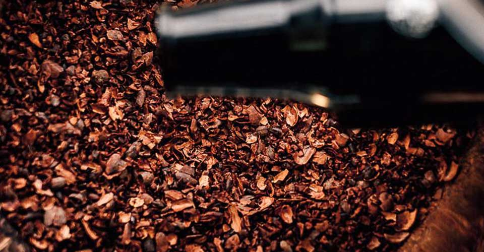 Cracking & Winnowing-cocoa-beans-chocolate