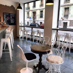 les-filles-indignes-café-vin-bar-choisis-ton-resto-à-genève-blog-restaurant-genève