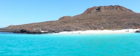 Chinese hat Island's beach