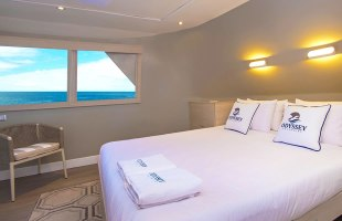 Cabin with matrimonial beds on Odyssey Yacht