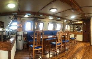 Galapagos cruise Golondrina Yacht dining room