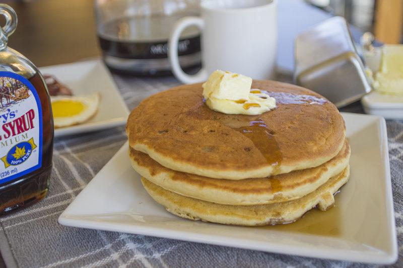 08 - 20170814.SERIOUSLY-THE-Best-Buttermilk-Pancake-EVER有史以來最好吃的酪奶美式煎餅Resized-4.jpg