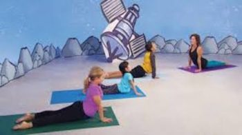 Yoga with kids: Going into Space Theme