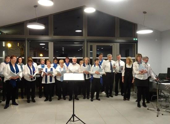 Chorale le Choeur de la SOurce aux voeux du maire de Tupin et Semons