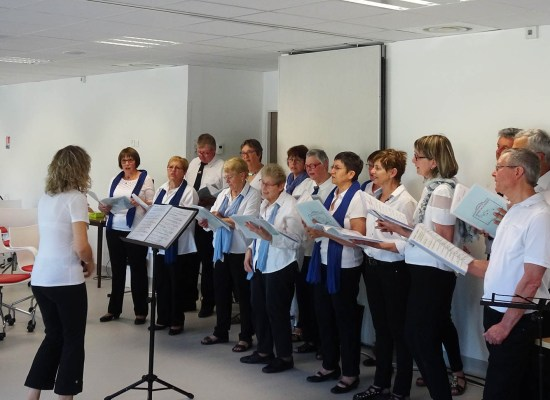 Concert de la chorale le Choeur de la Source à la résidence de Vernon
