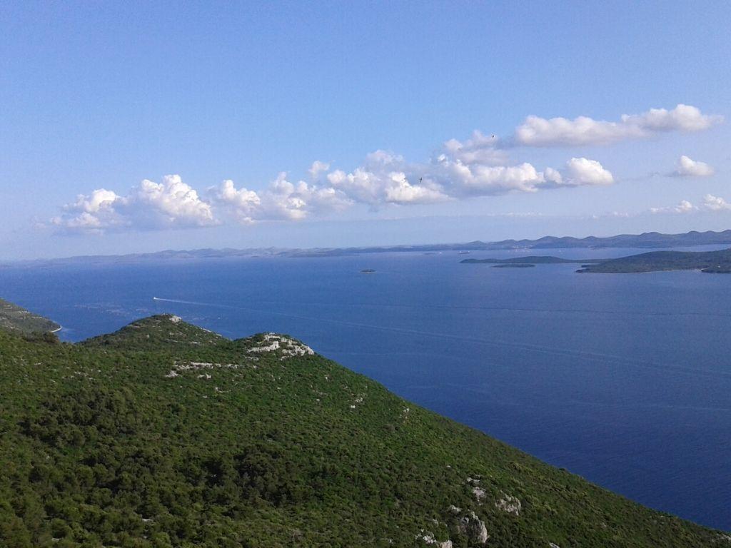 Widok na Kornaty z wyspy Ugljan