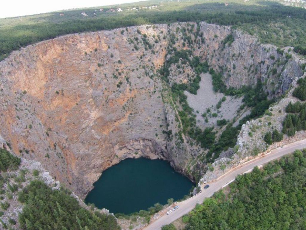 Crveno jezero koło Imotski