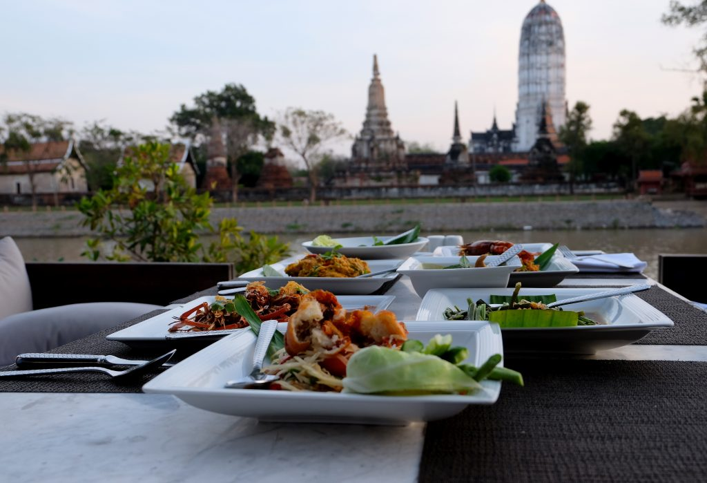 sala ayutthaya - Amazing Food and Incredible View!