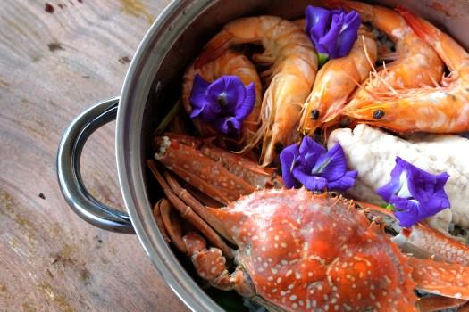 Salt baked seafood Samut Sakhon