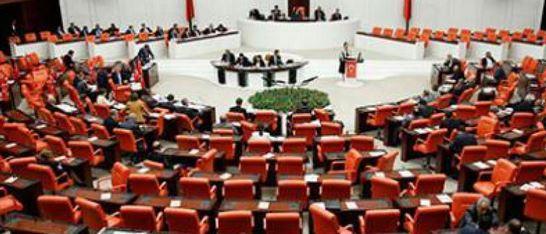 Quatre chrétiens rentrent au Parlement turque