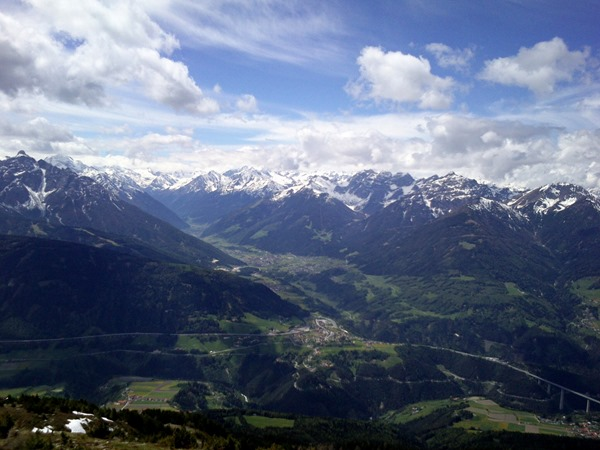 View from Patscherkofel of the Stubai valley