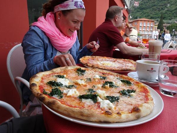 Pizza in Torbole (2)