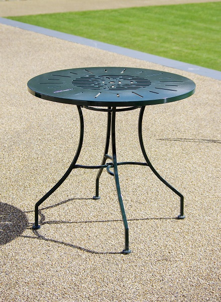 Metal garden funiture table.