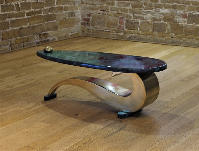 Brass coffee table The Paisley