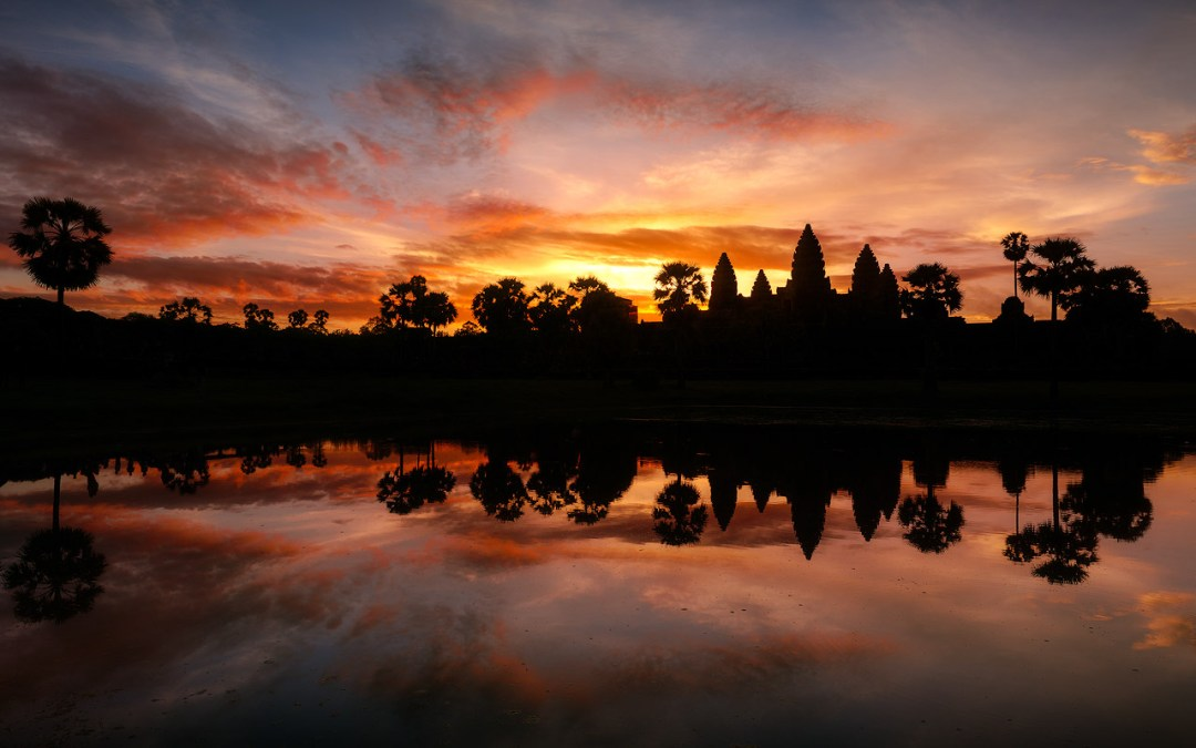 fiery_sunrise_at_angkor_wat
