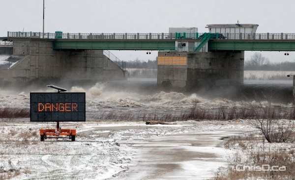 The Red River Floodway gates south of Winnipeg as seen on May 1, 2011. (STAN MILOSEVIC / MANITOBAPHOTOS.COM)