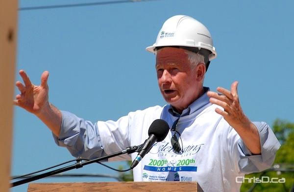 Governor General David Johnston speaks to Habitat for Humanity volunteers in Winnipeg on Saturday, June 18, 2011. (STAN MILOSEVIC / MANITOBAPHOTOS.COM)