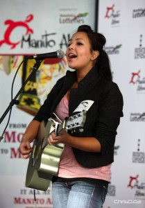 Singer Ali Fontaine performs during a news conference to launch the Manito Ahbee Festival in downtown Winnipeg on Wednesday, November 2, 2011. (SCOTT BENESIINAABANDAN / HANDOUT)