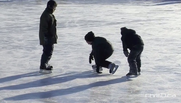 Children play on the Assiniboine Park Duck Pond skating rink on December 30, 2011. (CHRISD.CA FILE)